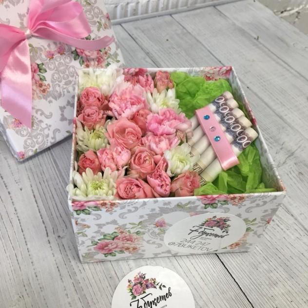 Цветочная коробка для индивидуального подарка